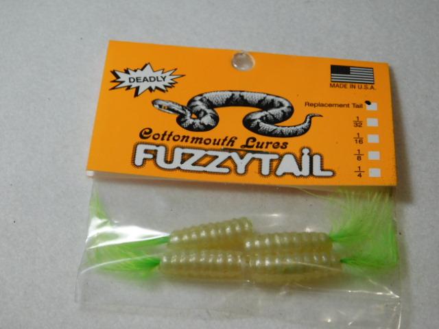Pearl/Chart. Fuzzytail jig